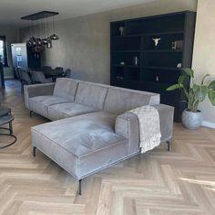 Living Room Themes, Home Living Room, Living Spaces, Sunken Living Room, Open Plan Kitchen Living Room, Apartment Design, House Rooms, House Design, Interior Design