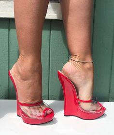 Sexy Legs And Heels, Hot High Heels, High Heels Stilettos, Platform High Heels, Super High Heels, Stockings Heels, Gorgeous Feet, Sexy Toes, Women's Feet