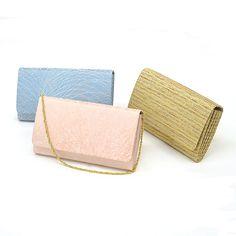 扇のようなマチが美しい小ぶりのハンドバッグは、お出掛けの機会が増える春に大活躍です。In spring, chance of going out increases.Then, a small-sized bag becomes useful which has a beautiful gore as seen in a folding fan. #bag #ハンドバッグ #japan #silk #tatsumura #龍村 #たつむら