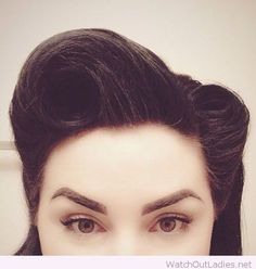 Hair ideas vintage hairstyles victory rolls rockabilly style Do You Rockabilly Stil, Rockabilly Fashion, Rockabilly Ideas, Pelo Retro, Estilo Retro, Vintage Makeup, Pin Up Makeup, Retro Makeup, Retro Hairstyles