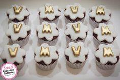 Sweet Cucas and Cupcakes by Rosângela Rolim: Mini Cupcakes Chá de Bebê Branco e Dourado