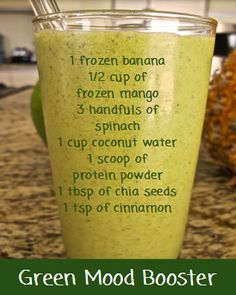 Healthy smoothies are a valuable addition to any diet. Packed with nutrients and offering many health benefits, many people have turned to a smoothie to help them out with their weight loss regimen… Juice Smoothie, Smoothie Drinks, Fruit Smoothies, Healthy Smoothies, Healthy Drinks, Smoothie Recipes, Healthy Recipes, Matcha Smoothie, Power Smoothie