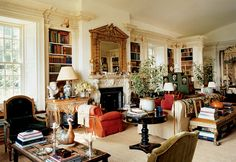 Remembering Oscar de la Renta's Stunning Homes - The couple turned once again to Ernesto Buch to build an extension to the Kent, Connecticut, country home Mr. de la Renta had owned since the seventies. Deco Bobo Chic, Living Room Decor, Living Spaces, Living Rooms, Family Rooms, English Decor, English Interior, English Country Decorating, English Country Houses