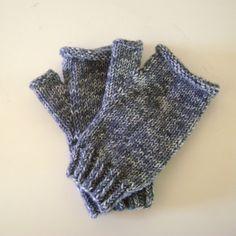 Grey Hand Knit Fingerless Gloves, Winter Wrist Warmers Fingerless Gloves Knitted, Wrist Warmers, Mens Gloves, Snug Fit, Hand Knitting, Unisex, Wool, Winter, Chill