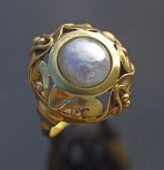 Interesting ring....yet would go well with the right outfit...true of all jewery.