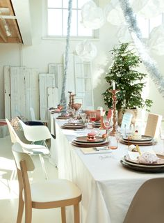 cute table setting for christmas!