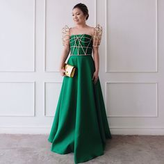 Modern Filipiniana Cage Butterfly Sleeves Designs by Maizy Colleen Grad Dresses, Event Dresses, Nice Dresses, Bridesmaid Dresses, Formal Dresses, Fashion Themes, Fashion Dresses, Modern Filipiniana Gown, Vogue Wedding