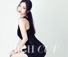 "Sulli f(x) Tampil Cantik untuk Majalah ""High Cut"" Sulli Choi, Choi Jin, Kpop Girl Groups, Kpop Girls, Fx Luna, Korean Girl, Asian Girl, Girl God, Pretty Asian"