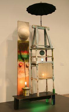 The Tower by Robert Rauschenberg; neon/ colored lights, umbrellas (are they always twee? Robert Rauschenberg, Neo Dada, Pop Art Movement, Light Installation, Art Installations, Found Art, Spring Art, Assemblage Art, Recycled Art