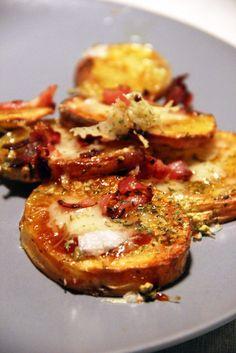 Potato rounds (pomme de terre, cheddar, bacon et sauce barbecue) Snack Recipes, Cooking Recipes, Healthy Recipes, Snacks, Confort Food, Potato Pasta, Us Foods, Sauce Barbecue, Light Recipes