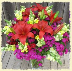 My mom always grew gorgeous flowers. I followed that fr:my love of fresh flower bouquets. I love looking at all the Gorgeous ones & espec. It being Moms Day wkend they're as pretty as ever!