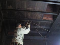 美山町・古民家 リフォーム物件 〔電気配線撤去作業〕http://www.furusatokikaku.net/reform/