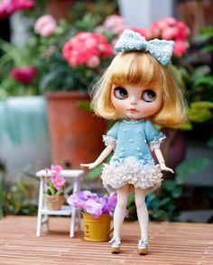 New girl and the dress too #dolls #dolldress #dress #outfit #dollstagram #midsummercircus #blythe #blythecustom #jujudoll #juju #customblythe #doll #dolls #dollstagram #outfit #dress #dolldress #blythedoll #dollcollector #ooak #blythecustimizer