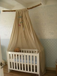 Kinderkamer prinsessenbed maken