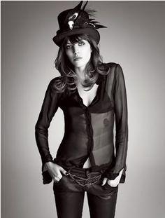Au Revoir, Viola...: Italian Vogue vs. Lou Doillon...