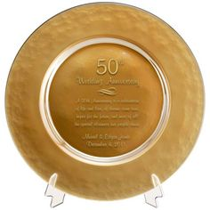 Any couple that makes it to 50 years of marriage deserves an extra-special wedding anniversary gift, and this wedding anniversary glass plate is ideal 50 Wedding Anniversary Gifts, Anniversary Gifts For Parents, Anniversary Ideas, Beach Wedding Tables, Gold Glass, Glass Candle Holders, How To Memorize Things, Gift Ideas, Party Ideas