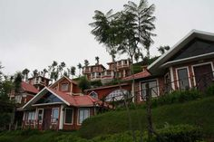 United-21 Paradise, Ooty Resort offers exclusive 2 night and 3 days packages, packages includes Deluxe room accommodation, welcome drink on arrival, morning breakfast, one major meal, one flower decoration, one candle light dinner, badam milk at night, one sightseeing by car   INR 17000 MAPAI and INR 18000