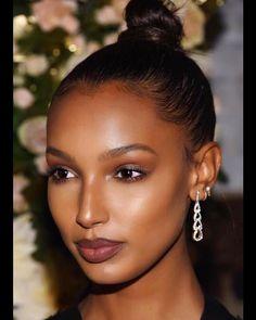 Flawless Makeup, Glam Makeup, Beauty Makeup, Hair Makeup, Hair Beauty, Makeup Bags, Makeup Geek, Bridal Makeup, Makeup Brushes