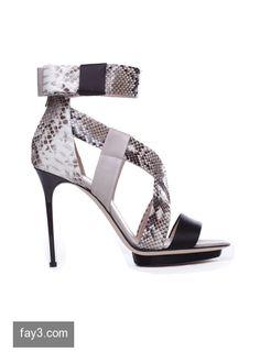 حذاء من تصميم زهير مراد صورة 31