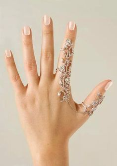 Hand jewelry is so pretty...