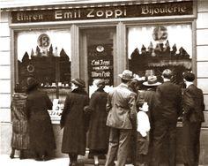 Emil Zoppi, gelernter Uhrmacher, gründete 1932 die Uhren-Bijouterie Zoppi, am St. Martinsplatz in Chur.  www.zoppijuwelier.ch