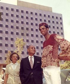 Kareem Abdul-Jabbar and Ralph Bunche in front of Bunche Hall at UCLA
