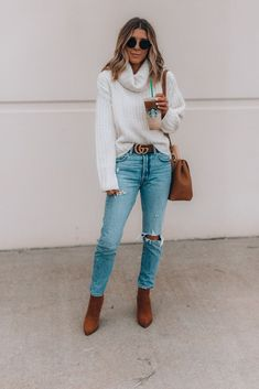 Fall Staples + My Favorite Starbucks Drinks for the Season (Cella Jane) Autumn Fashion Casual, Casual Fall Outfits, Fall Fashion Trends, Fall Winter Outfits, Winter Clothes, Saturday Outfit, Sunday Outfits, Workwear Fashion, Fashion Outfits