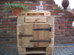 Kommode aus alten Euro-Paletten von palettenmöbel-schmidt auf DaWanda.com