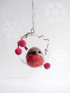 Christmas Robin , Felted bird, Needle felted Robin bird, Hanging ornament decoration by LambertsLambs on Etsy https://www.etsy.com/uk/listing/479608089/christmas-robin-felted-bird-needle