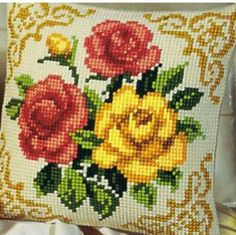 LADIY Cross Stitch Cushion Cover Yarn for Embroidery Cushions Home Decor Cross-Stitch Kit Cross Stitch Cushion, Cross Stitch Rose, Cross Stitch Borders, Cross Stitch Flowers, Cross Stitch Designs, Cross Stitching, Cross Stitch Embroidery, Cross Stitch Patterns, Needlepoint Patterns