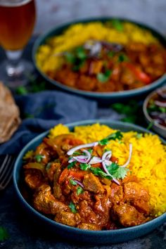 Spicy Chicken Jalfrezi made from scratch, served with homemade pilau rice. Ready in 40 minutes! Chicken Flavors, Easy Chicken Recipes, Easy Recipes, Free Recipes, Quick Weeknight Meals, Easy Meals, Healthy Meals, Beef Massaman Curry, Pilau Rice