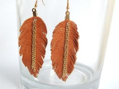 Gorgeous earrings, very lightweight.