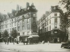 Le carrefour de la rue Berger, la rue de Vannes (disparue) et la rue Vauvilliers, en 1916. On distingue le restaurant Au Pied de Mouton, célèbre maison de bouche du quartier des Halles de l'époque...