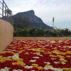 Mais um dia curtindo a festa Rio 2016! Casa da Hungria!  Dica da artista plástica Maria Cecilia Camargo.  https://www.facebook.com/mariacecilia.camargo.1/videos/1172542056099772/  #CasadaHungria #Olimpíadas #visita #Rio2016 #RiodeJaneiro #terçafeira #tarde