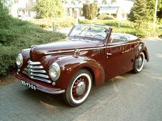 Skoda 1102 Tudor cabrio photos, picture # size: Skoda 1102 Tudor cabrio photos - one of the models of cars manufactured by Skoda Mini Trucks, Unique Cars, Car Insurance, Old Cars, Tudor, Tractor, Cars And Motorcycles, Vintage Cars, Classic Cars