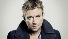 "Damon Albarn revela el video de ""Lonely, Press Play"""
