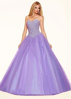Exquisite Tulle Sweetheart Neckline Ball Gown Quinceanera Dresses With Beadings