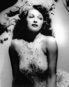 Rita Hayworth Photo: This Photo was uploaded by jadejou. Find other Rita Hayworth pictures and photos or upload your own with Photobucket free image and. Hollywood Stars, Old Hollywood Glamour, Golden Age Of Hollywood, Vintage Hollywood, Classic Hollywood, Glamour Hollywoodien, Vintage Glamour, Vintage Beauty, Glamour Shots
