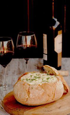 Kochen mit Neus: Käsefondue in Brot