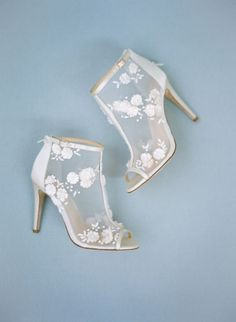 french inspired wedding shoes photo by Samantha Kirk #weddingshoes