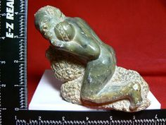 ESTATE HAND MADE LION JADE FROM AFRICA - MAN FIGHTING - $660 free ship worldwide