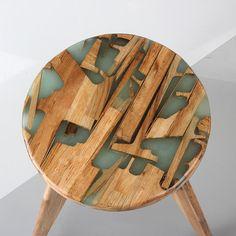 Le studio sud-coréen Hattern allie le bois à la résine pour créer le Zero Per Stool, un tabouret au design unique dessiné par ses propres chutes. ...