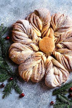 Cinnamon Sugar Star Bread