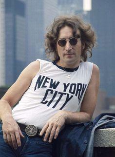 john lennon, the beatles, and new york image Imagine John Lennon, Joey Ramone, Les Beatles, John Lennon Beatles, John Deacon, Ringo Starr, Jonh Lenon, Pink Floyd, Musica Love