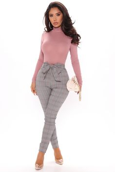 Preppy Outfits, Urban Outfits, White Long Sleeve Bodysuit, Swimsuits For Curves, Curves Clothing, Curve Dresses, White Dresses For Women, Bodysuit Fashion, Classy Dress