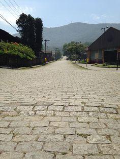 Rua de paralelepípedos em Paranapiacaba - SP