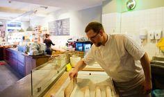 In 2012 opende Jan Bussing (vierde generatie) een winkel in Rotterdam aan de Van…