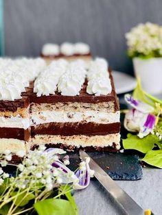Tort Bounty, reteta care a înnebunit lumea. merita orice efort. Vanilla Cake, Nutella, Tiramisu, Deserts, Ethnic Recipes, Food, Essen, Postres, Meals