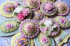 Flower cookies by bubolinkata, via Flickr