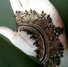 No photo description available. Henna Tattoo Designs Arm, Back Hand Mehndi Designs, Arabic Henna Designs, Mehndi Designs Book, Mehndi Design Pictures, Mehndi Designs For Girls, Unique Mehndi Designs, Henna Designs Easy, Mehndi Designs For Fingers